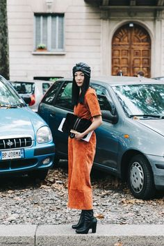 MFW-Milan_Fashion_Week-Spring_Summer_2016-Street_Style-Say_Cheese-Suede_Jumpsuite-Turbant-Ferragamo_Bag-Yoyo_Cao-