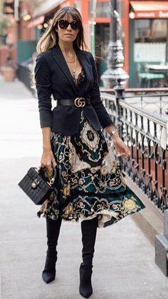 Black blazer and this beautiful skirt with over the knee boots is just perfect c… Schwarzer Blazer und dieser schöne. Fashion Mode, Work Fashion, Trendy Fashion, Winter Fashion, Fashion Trends, Office Fashion, Style Fashion, Trendy Style, Fashion 2018