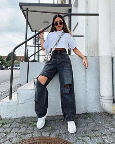 Edgy Outfits, Retro Outfits, Cute Casual Outfits, Fashion Outfits, Jean Outfits, Jeans Fashion, Cute Vintage Outfits, Cool Girl Outfits, Teenage Outfits