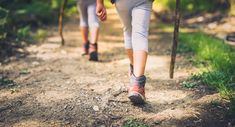 On the Trail! Plant-Based Snack-Hacks for Summer Hikes. - One Green Planet Clint Eastwood, Don Du Sang, Snack Hacks, Aerobics Workout, County Park, Beautiful Waterfalls, Get Outdoors, Appalachian Trail, Girl Guides