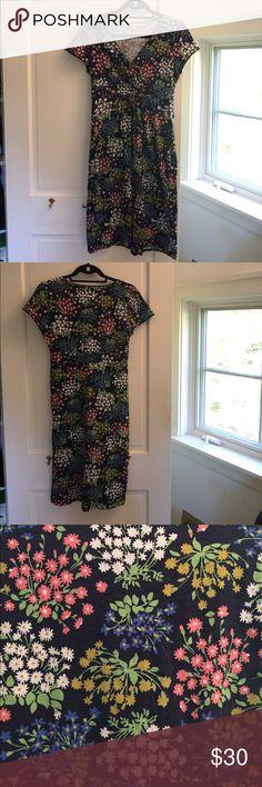 Boden Jersey Dress Lovely Boden Jersey short sleeved dress. Hits at knee level. Barely worn. Size 6 US Boden Dresses Midi