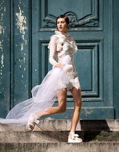Non-traditional wedding dress inspiration // Harper's Bazaar China #style #fashion #bride #bridal #alternative
