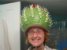 So you think you can make a cactus? I spent the last week making a cactus hat for someone who wanted to pay me for it ! This gives me endless joy. Crazy Hat Day, Crazy Hats, Crazy Costumes, Diy Costumes, Couple Costumes, Costume Ideas, Cactus Hat, Cactus Costume, Old Lady Costume