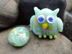 Cute little pastel Owl glass lampwork bead...plus 1 extra matching bead. by BdazzledJewellery on Etsy