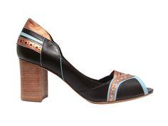 Sapato Josephine criado por Sarah Chofakian para a Misturinha.