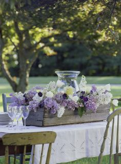 Karin Lidbeck:styling with lilacs outdoor tablescape May 2012