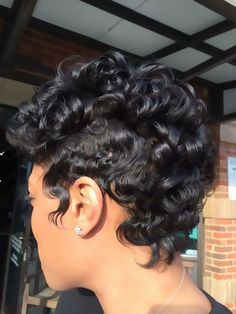 Oh the Shine! - http://community.blackhairinformation.com/hairstyle-gallery/short-haircuts/oh-the-shine/