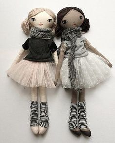 These besties are style'n their Tees & tutus. New to the Small Lola doll range - coco skin Lola can't wait to meet you! Lola wishes you a Happy Harmony Day! Doll Crafts, Diy Doll, Doll Clothes Patterns, Doll Patterns, Fabric Doll Pattern, Doll Toys, Baby Dolls, Fabric Toys, Sewing Dolls