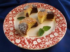 Ez a roppant egyszerű, de mégis mutatós sütemény olyan célból készült, hogy eltűnjön egy nagy doboz, felbontott almadarabos joghurt a hűtőbő...
