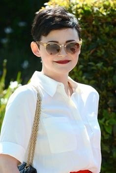 My fave. The voice behind Judy Hopps. I& love to rock Ginnifer Goodwin& pixie cut. Undercut Pixie, Undercut Asymmetrical Pixie, Undercut Hairstyles, Pixie Hairstyles, Cool Hairstyles, Pixie Haircuts, Feminine Pixie Cuts, Cute Pixie Cuts, Ginnifer Goodwin