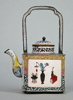 Qing dynasty teapot, 19th century, painted enamel.