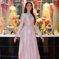 Pernia Qureshi's meticulously handpicked curations at Pernia's Pop-Up Studio at Chhatarpur will pamper you with vivid choices to pick your wedding season's favorites. Shop only at The Dhan Mill Compound, feet Road, SSN Marg, Chattarpur Indian Long Dress, Indian Gowns Dresses, Dress Indian Style, Pakistani Dresses, Woman Dresses, Indian Wear, Long Gown Dress, Saree Dress, Long Frock