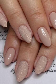 What manicure for what kind of nails? - My Nails Glitter Nails, Fun Nails, Glitter Wedding Nails, Neutral Wedding Nails, Beach Wedding Nails, Gold Sparkle Nails, Wedding Colors, Sparkly Nails, Bride Nails