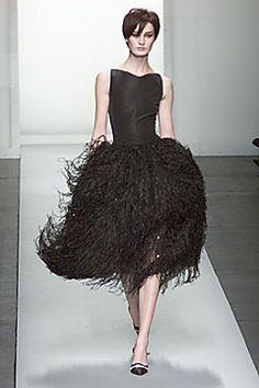Oscar de la Renta Fall 2000 Ready-to-Wear Collection Slideshow on Style.com