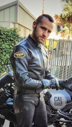 gosh this guy I would like to meet Motorcycle Men, Motorcycle Leather, Biker Leather, Leather Men, Leather Pants, Leather Jackets, Biker Gear, Moto Style, Sexy Men