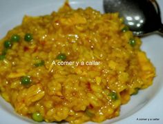 : ARROZ CON POLLO CON THERMOMIX Cooking Chef, Easy Cooking, Cooking Recipes, Rice Recipes, New Recipes, Favorite Recipes, Spanish Dishes, Spanish Recipes, Spanish Food