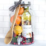 DIY Gift Idea: Sangria for Friends