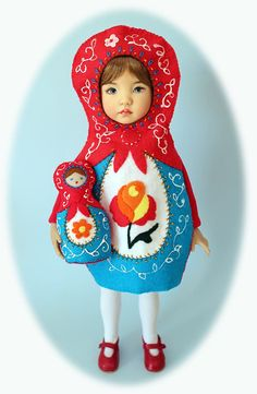 Little Russian nesting doll costume! Her facial expression is priceless! Cute Halloween Outfits, Halloween Kostüm, Holidays Halloween, Halloween Costumes For Kids, Toddler Halloween, Carnaval Costume, Doll Costume, Purim Costumes, Cute Costumes
