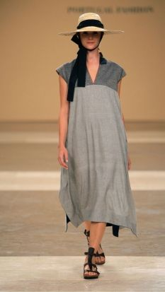 TM COLLECTION (Official Runway Photos) – Portugal Fashion Week Spring Summer 2014 – – October 2013 – Photos distributed by Mainstream, via View Fashion Book Fashion Books, Fashion Tips, International Fashion, Sewing Clothes, Refashion, Bunt, What To Wear, Dressing, My Style