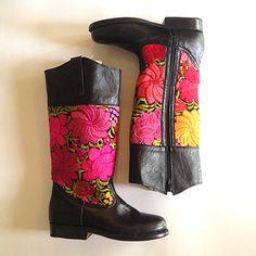 We are loving this warm textile against our black leather! #teysha #customboots #handmade #guatemala