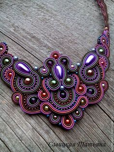 Collar artesanal Seed Bead Jewelry, Bead Jewellery, Boho Jewelry, Jewelry Art, Beaded Jewelry, Handmade Jewelry, Handmade Beads, Soutache Tutorial, Soutache Necklace