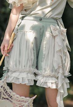 Fashion Pants, Look Fashion, Fashion Outfits, Fashion Design, Kawaii Fashion, Lolita Fashion, Pretty Outfits, Cool Outfits, Character Outfits