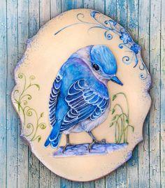 В моем доме очень много птиц. Некоторые из них хорошие певцы, которые заливаются от рассвета до заката, а некоторые просто красивы .... и им прощается их бездарное пение за экзотичность и яркие цвета... Все как у людей