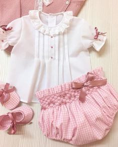 Moda Infantil Made In Spain Insta Frocks For Girls, Kids Frocks, Little Girl Dresses, Cute Baby Clothes, Doll Clothes, Baby Girl Fashion, Kids Fashion, Toddler Outfits, Kids Outfits