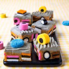 Voileipäkakkurulla porotäytteellä   Reseptit   Kinuskikissa Baking, Cake, Sweet, Desserts, Food, Pasta, Candy, Tailgate Desserts, Deserts