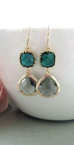 Black Diamond Framed Glass Drop and Emerald Green Drop French Dangle Earrings… I Love Jewelry, Jewelry Box, Jewelry Accessories, Fashion Accessories, Jewelry Design, Fashion Jewelry, Jewelry Making, Jewlery, Fashion Shoes