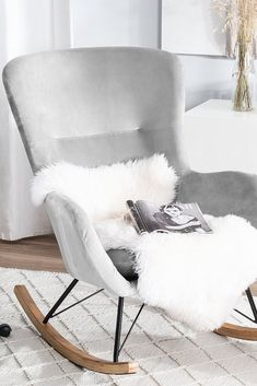 Schaukelsessel Samtstoff hellgrau ELLAN The cozy alternative for a classic armchair! Deep relaxation is guaranteed in this padded rocking chair. My New Room, My Room, Hotel Room Design, Parents Room, Velvet Armchair, Bedroom Color Schemes, Furniture Layout, Room Colors, Rocking Chair