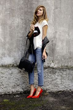 Keep it Casual: Chiara Ferragni does boy-fit right wearing the J BRAND Cropped Aidan in Santiago.
