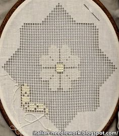 In April I went to Sicily with a stitching friend to take a Sicilian Drawn Thread Work course from Roberta Rizza in Comiso . Drawn Thread, Thread Work, Hardanger Embroidery, Hand Embroidery, Filet Crochet, Linen Stitch, Sewing Studio, Bobbin Lace, Cutwork