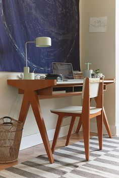 Henrick Desk - Urban Outfitters