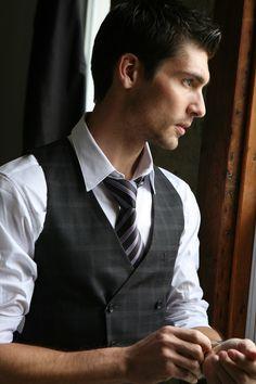 Travis Vulich by Michael Dar (2010) #TravisVulich #MichaelDar #malemodel #model #FordModels #FordModels_Chi #vest #tie #watch