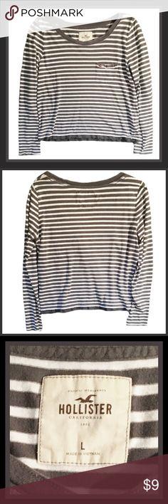 ‼️SALE‼️HOLLISTER Long Sleeve Top 💗Gently used HOLLISTER long sleeve striped top.                                                                        💙Size LARGE Hollister Tops Tees - Long Sleeve