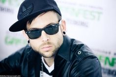 Billy Martin Billy Martin, Good Charlotte, Pop Punk, Back In The Day, Eye Candy, Character Design, Mens Sunglasses, Music, People
