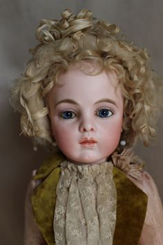 Beautiful antique French Bebe Bru Jne.