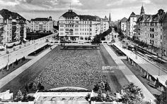 Berlin Wilmersdorf Blick auf den Olivaer Platz ca. Old Photographs, Historical Photos, Old School, The Past, Louvre, Germany, Poster, Black And White, History