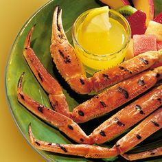 Grilled Crab Legs with Butter Sauce - Eating crab legs at home is so easy, a lot of fun and every bit as delicious as any restaurant version. Grilling Recipes, Meat Recipes, Wine Recipes, Seafood Recipes, Gourmet Recipes, Cooking Recipes, Grilled Seafood, Fish And Seafood, Seafood Bbq