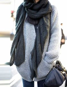 How To Wear The Oversized Scarf Trend | Huge Scarf Outfit Ideas