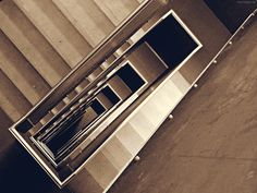Kastanienallee Berlin - http://smg-treppen.de/kastanienallee-berlin/ Die Berliner Kastanienallee ist ein urbaner Hotspot, die teilweise in Prenzlauer Berg und Mitte liegt. Die Treppenvarianten sind so vielfältig wie das Leben