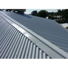 Roll Top Ridge Capping COLORBOND®. Adds an attractive finish to your ridge line.