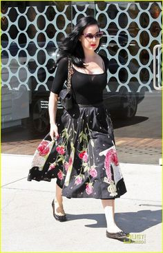 I love every street look of Dita's on this site, but what is so great about this one is she looks a bit more casual but still put together. What I aspire to.