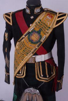 Mid 20th Century Argyll Highlanders Drum Majors Full Dress Ceremonial Uniform