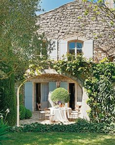 Lawn and courtyard French country farmhouse luxury vacation rental