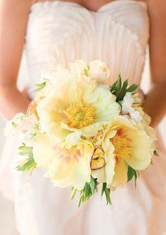 25 stunning wedding Bouquets - Part 13  | bellethemagazine.com