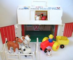 Vintage Fisher Price Play Family Farm Barn Little People Animals Playset for Children 915