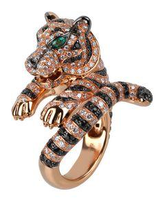 Boucheron  jaguar cocktail ring made of rubies, diamonds and emeralds