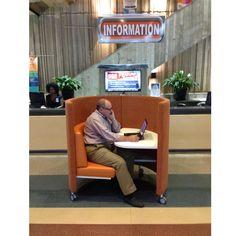 Joe Agati getting a bit more info from the information desk at Orlando Public Library. http://www.agati.com/pod-tour-ga-al-fl/